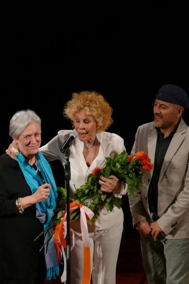 Chiara Nurizzo, vice-presidente della Fondazione, Ornella Vanoni e Bebo Ferra